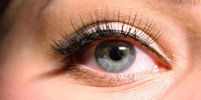 Tendenze trucco autunno inverno: Eyeliner e Glitter?