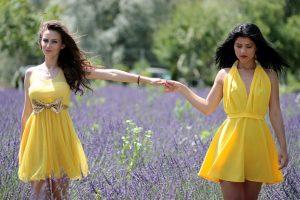 abito corto giallo